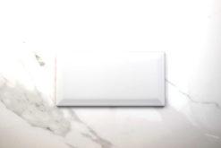 Biselado-mate-blanco-10x20